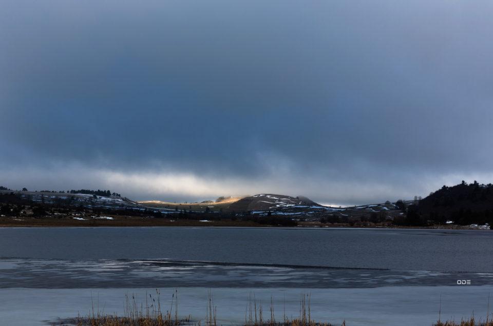 Touche de lumière sur le lac du Pêcher